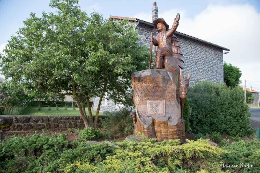 Statue de Stevenson au Bouchet Saint Nicolas