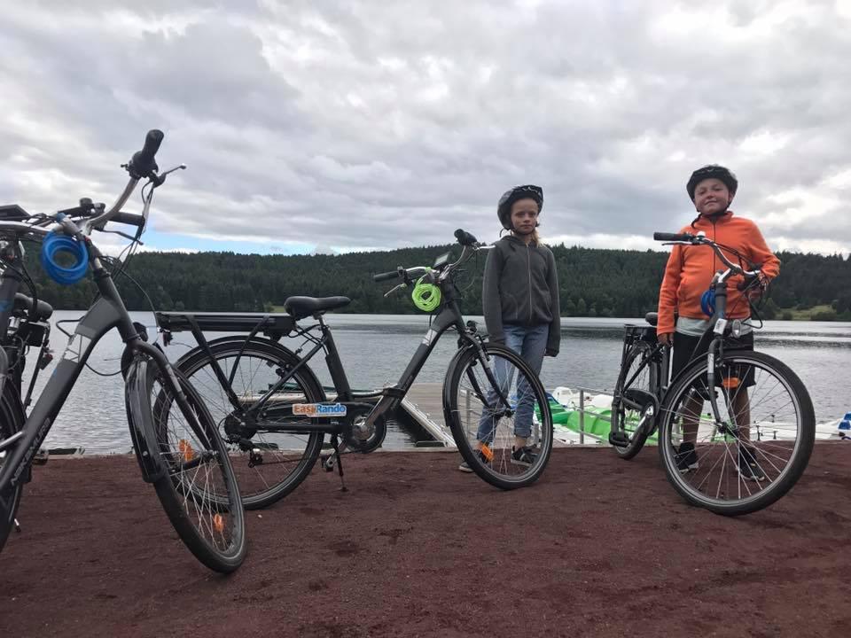 Balade en vélos au bord du Lac du Bouchet